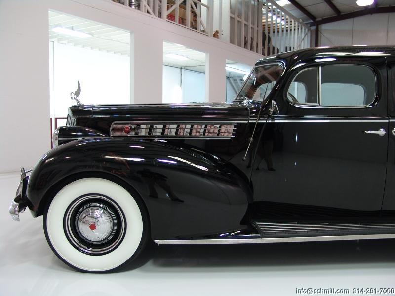 1939 PACKARD SUPER 8 4-DOOR MODEL 1703 TOURING SEDAN