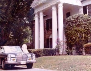 280SEL in front of graceland