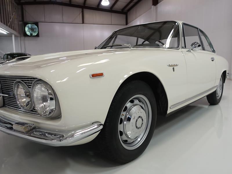1963 Alfa Romeo 2600 Sprint | Gorgeous Bertone bodywork: 1963 Alfa Romeo 2600 Sprint | Original interior | Original Carello headlamps