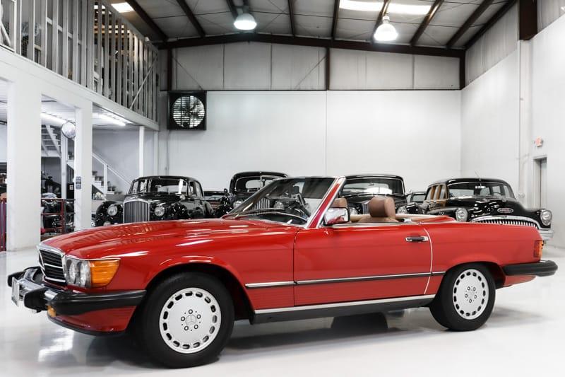 1986 Mercedes-Benz 560SL Roadster for sale by Daniel Schmitt & Co.